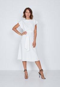 True Violet - Day dress - white - 0