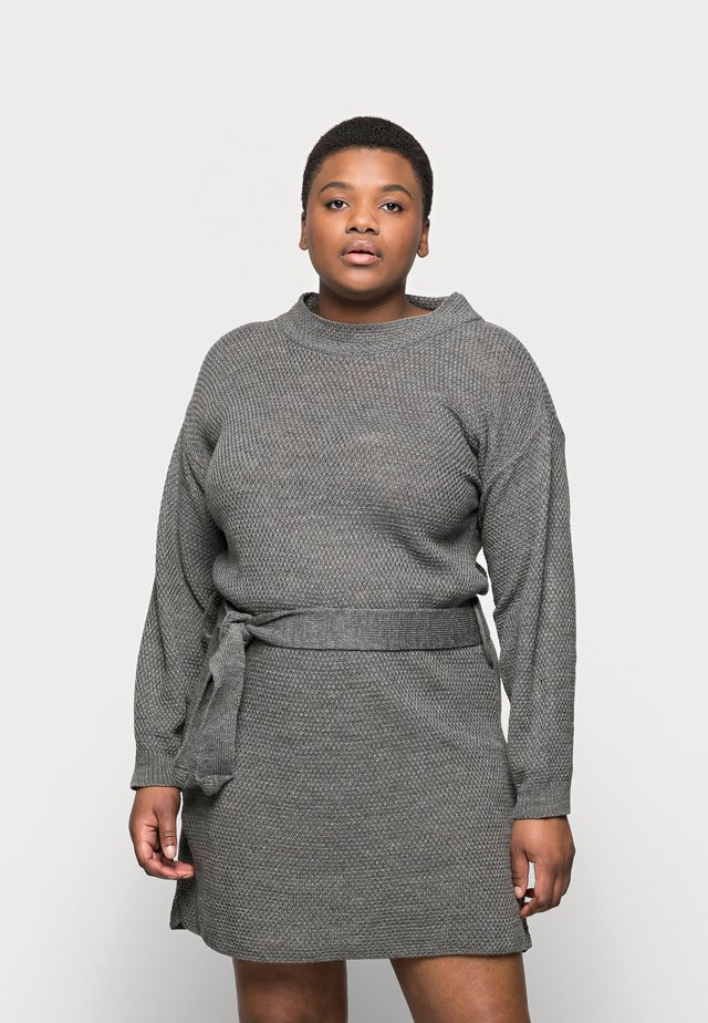 BELTED DRESS - Strikket kjole - dark grey