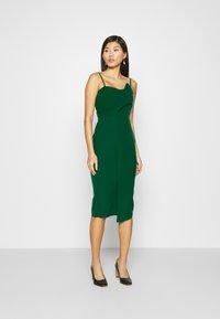 Trendyol - ZÜMRÜT YEŞILI - Koktejlové šaty/ šaty na párty - emerald green - 0