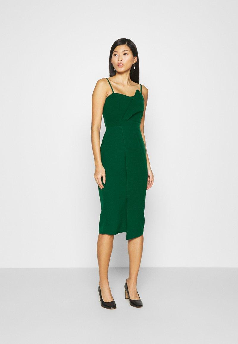 Trendyol - ZÜMRÜT YEŞILI - Koktejlové šaty/ šaty na párty - emerald green