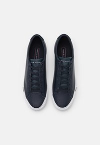 Tommy Hilfiger - CORPORATE  - Sneakers basse - desert sky - 3