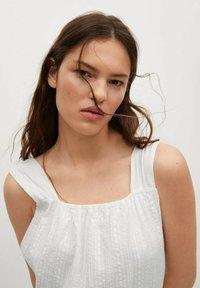 Mango - COQUET - Maxi dress - blanc - 4