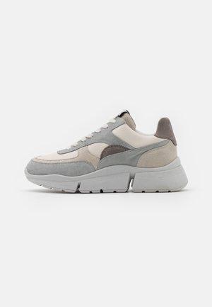 Sneakers laag - white/hielo