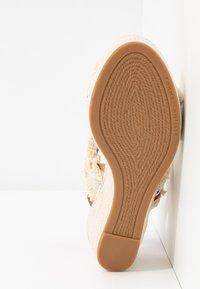 Tommy Hilfiger - FRINGES MID WEDGE  - Platform sandals - ivory - 6