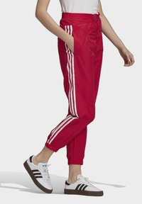 adidas Originals - PAOLINA RUSSO - Pantalon de survêtement - scarlet - 2