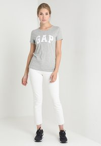 GAP - TEE - Print T-shirt - grey heather - 1