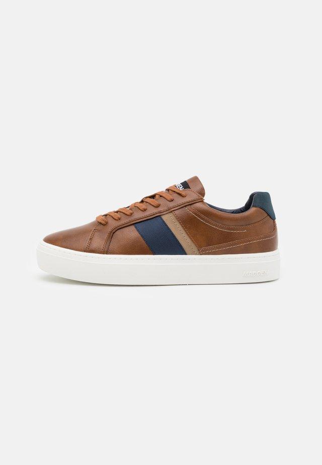 ASTANN - Sneakers laag - cognac