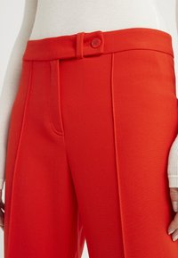 RIANI - BABY - Trousers - fire red - 4