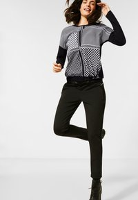 Cecil - MIT PATCHWORK - Long sleeved top - black - 0