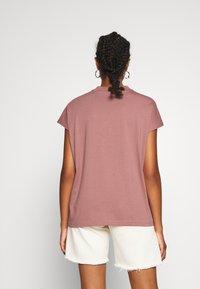 Weekday - PRIME - Basic T-shirt - brown - 2