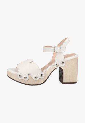 Sandalen met plateauzool - off