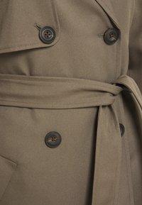 Vero Moda Tall - VMCELESTE  - Trenchcoat - khaki - 2
