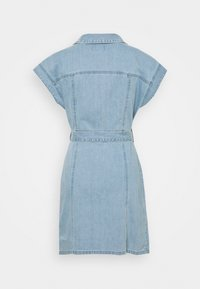 Boyish - THE JOE SAFARI DRESS - Spijkerjurk - light blue - 1