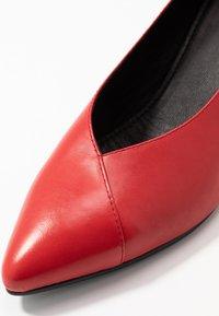 Vagabond - MYA - Classic heels - red - 2