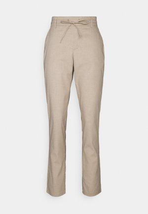 VMKEONI PANT - Trousers - nude