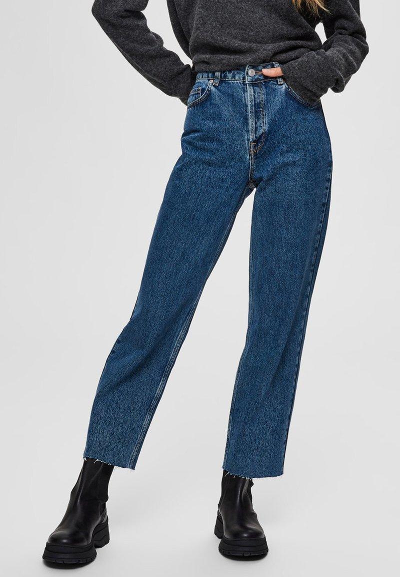 Selected Femme - STRAIGHT FIT HIGH WAIST - Straight leg jeans - medium blue denim