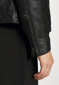 Serge Pariente - RANDALL WITH HOOD - Leather jacket - black - 7