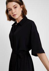 Monki - ELOISE DRESS - Skjortekjole - black - 3