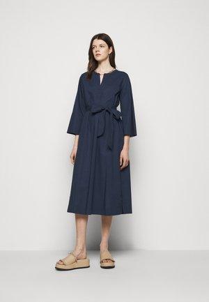 BELTED TUNIC - Denní šaty - navy
