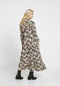 Topshop Maternity - CHUCK ON - Jersey dress - blush - 3