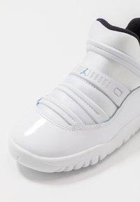 Jordan - AIR 11 RETRO LITTLE FLEX - Basketball shoes - white/legend blue/black - 2
