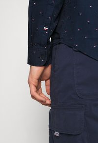 Tommy Jeans - DOBBY SHIRT - Shirt - blue - 6