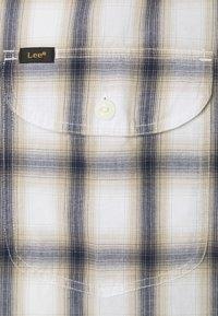 Lee - WORKER SHIRT - Shirt - service sand - 2
