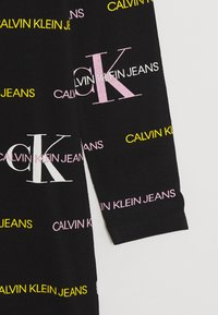 Calvin Klein Jeans - MIX LOGO DRESS - Vestito di maglina - black - 0