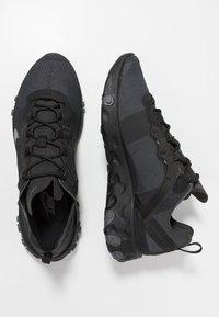 Nike Sportswear - REACT - Sneakers - black/dark grey - 3
