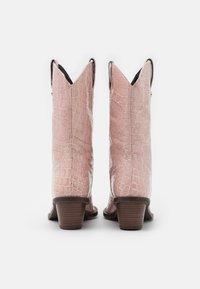 Fabienne Chapot - HOLLY MID HIGH - Kowbojki i obuwie motocyklowe - trippy pink - 3