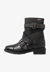 Pepe Jeans - MADDOX STUDS - Cowboy/biker ankle boot - black - 1