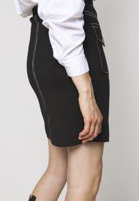 Steffen Schraut - POCKET SKIRT SPECIAL - Pencil skirt - black - 4