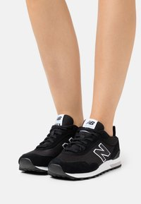 New Balance - WL515 - Sneakers - black/white - 0