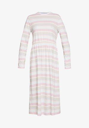 ZINK DRESS - Jersey dress - light pink