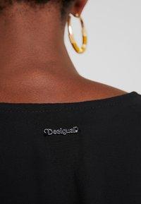 Desigual - VEST NAILA - Denní šaty - black - 5