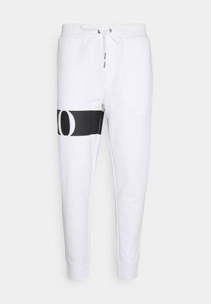 DOUBLE TECH - Jogginghose - white