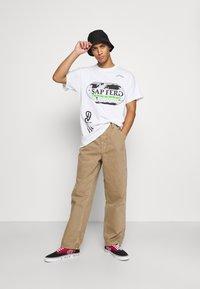 BDG Urban Outfitters - CARPENTER JEAN - Straight leg jeans - caramel - 1