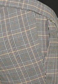 New Look Maternity - JESSICA CHECK BENGALINE  - Spodnie materiałowe - grey - 2