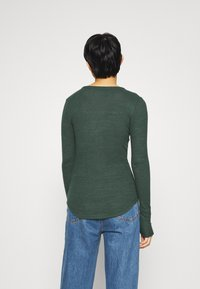 Abercrombie & Fitch - COZY HENLEY  - Long sleeved top - dark green - 2