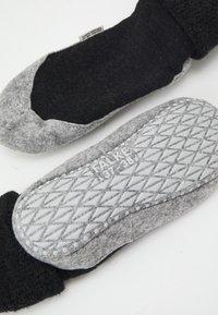 FALKE - COSYSHOE - Socks - anthracite melange - 2
