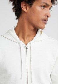 Outerknown - SUR ZIP HOODIE - Zip-up hoodie - salt - 4