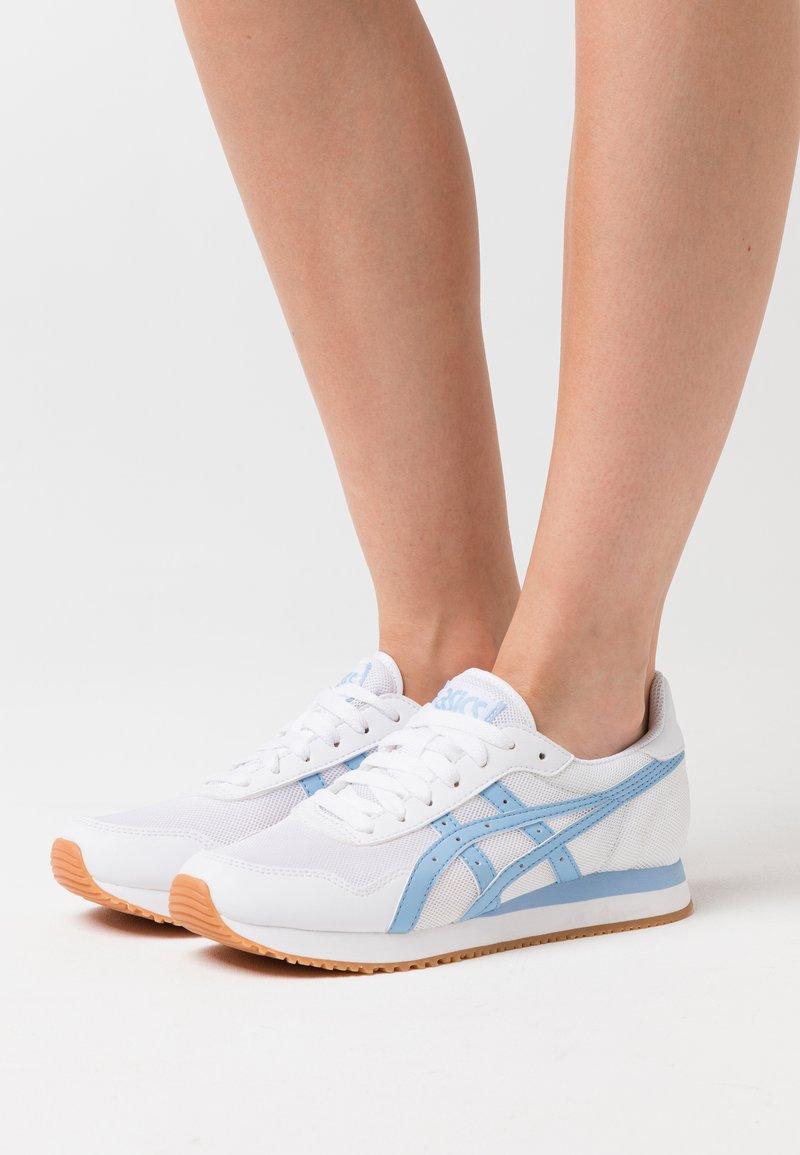 ASICS SportStyle - TIGER RUNNER - Trainers - white/blue bliss