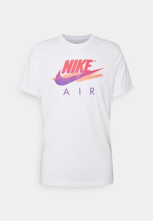 TEE FUTURA - Camiseta estampada - white