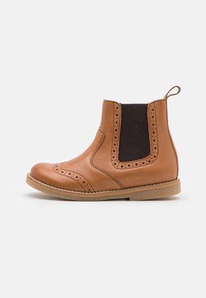 CHELYS BROGUE UNISEX - Classic ankle boots - cognac