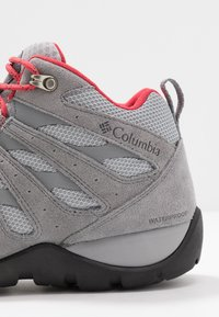 Columbia - REDMOND V2 MID WP - Walking boots - steam/daredevil - 5
