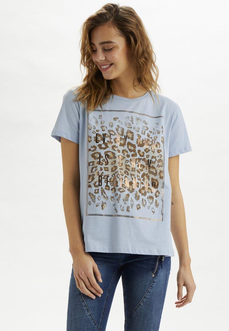 Cream - CRYARNA - T-shirt imprimé - cashmere blue