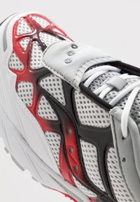 Saucony - GRID WEB - Sneaker low - white/grey/red - 5