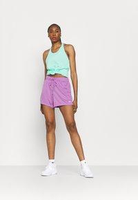 Nike Performance - ATTACK  - Urheilushortsit - violet shock/white - 1