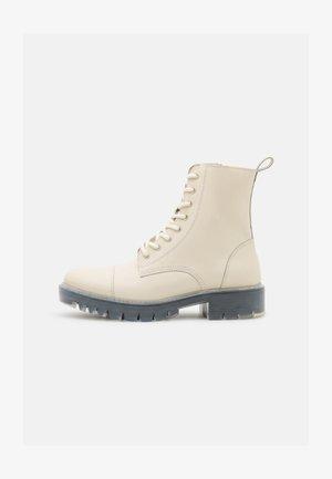 REILY - Veterboots - white