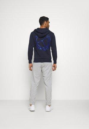 CAT GRAPH PANT - Verryttelyhousut - grey/blue